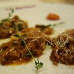ラ・ベットラ・ダ・オチアイ ナゴヤ - ナスとリコッタチーズのラビオリ 子羊のラグーソース
