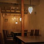 ファイ - 落ち着いた雰囲気を醸し出すテーブル席☆