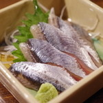 43857213 - 秋刀魚刺し
