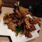 まるし  - 舞茸のてんぷらはほとんど素揚げ状態!