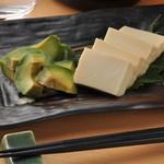 新潟魚沼ごっつぉ処 藤助 - 豆腐とアボカドの味噌漬け、日本酒に合う―(#^.^#)