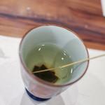 活カニの花咲 - 昆布茶☆
