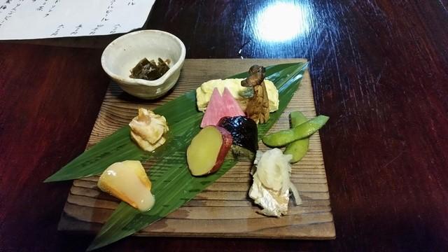 そば処石奈多 - 2015.10)念願の夜に初訪問。お任せコース(3500円)の料理は日本酒にぴったり