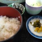 玄海 若潮丸 - ご飯 漬け物 茶碗蒸し このご飯が最高に旨い