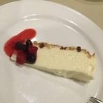 トラットリア ジョイア - レアチーズケーキ
