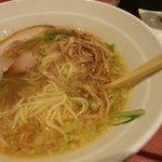 黄金の塩らぁ麺 Ayumi  - 食べかけですみません