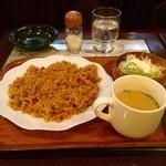 ハニー - 料理写真:カレーピラフセット、コーヒーが付いて650円