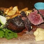 Xató burrata & steak - 佐賀県産黒毛和牛 40日間ドライエイジド