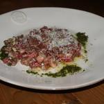 Xató burrata & steak - イチボ肉のタルタル バジルソース