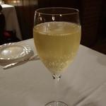 麤皮 - ☆グラスのシャンパンでシュワァワァ~(^u^)☆