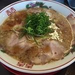 小鉄 本店 - ラーメン(700円)