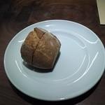 レストラン・カワサキ - パン