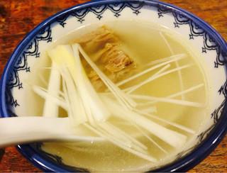 味太助 水道橋店 - テールスープ