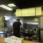 らーめん桃福 - 厨房