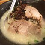 らーめん 豚食 - 料理写真: