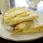 インド料理 ビシュヌ - チーズナン
