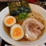 幸跳 - 味玉醤油らぁ麺(麺大盛り)