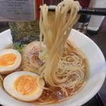 幸跳 - 味玉醤油らぁ麺(リフト)