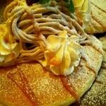 トモチェカフェ - 季節限定モンブランパンケーキ
