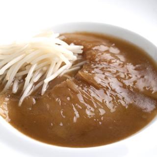 上海風フカヒレの醤油姿煮込み白ご飯とごいっしょにどうぞ