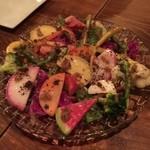 ボンメゾン - 彩り野菜の農園サラダ バーニャカウダーソース 980円