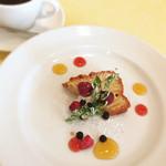 オステリア デッラ カパンナ - サービスのデザート りんごのケーキ