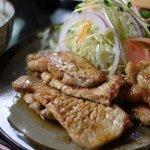 和風レストラン もとき - 料理写真:豚ロース生姜焼き定食1