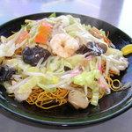 漢風 - 料理写真:細い麺の食感が良い皿うどん。