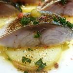 Turre Turre - 炙り〆鯖とじゃが芋の柚子胡椒乗せ