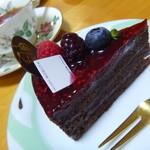 パティスリーノブヤ - ラズベリーチョコレート