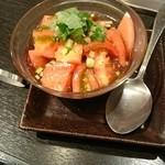 honkakuyakinikujukouenamatsubo - トマトサラダ