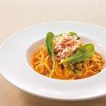 サンマルク - ズワイ蟹と花野菜のトマトクリームパスタ