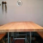 フォレスター - ウッディなテーブル席