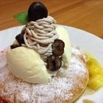 パス タン - 料理写真:揚げパンケーキ(モンブラン)