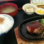 いっぺい堂 - ハンバーグ定食♪
