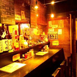 昭和歌謡の流れる落ち着いた空間
