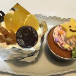 菅久菓子店 - 料理写真:左:ハロウィンムース、右:カップケーキ