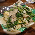 沖縄料理 ちゅらさん家 - 豚肉とウンチェーバー(空芯菜)の島ラー油炒め:600円外税