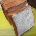 マナレイア - 料理写真:マナレイア食パン(ハーフ)