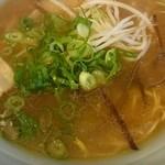 しろ屋 - 料理写真:豚骨醤油ラーメン