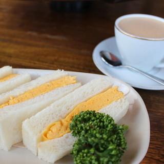 カヤバ珈琲 - 料理写真:タマゴサンドとルシアン