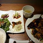 43956041 - 鶏モモ肉とピーマンのトウチ味噌炒め定食(1000円)