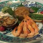 Szechwan Cuisine & Wine 御馥 - 見た目にも美しい前菜盛り合わせ