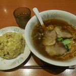 第二大番 - 料理写真:チャーシュー麺+チャーハン¥850-