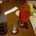 茜どき - 日本酒とシャーリーテンプル