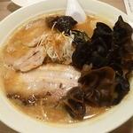麺屋 雪風 - 味噌チャーシュー・木耳トッピング2015.11月