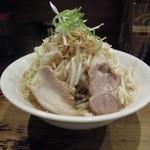 ラーメン 岩佐 - 太麺野菜 野菜W