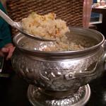 アジアンズジョーク - 綺麗な器に、美味しいチャーハン♪