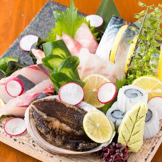【お造りのこだわり】高知県より獲れたての新鮮魚介類が毎日直送