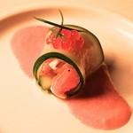 フェリア トウキョウ - スモークサーモンのタルタルのカネロニ仕立て フルーツトマトのソース